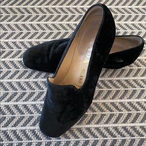 Pravda velvet shoes